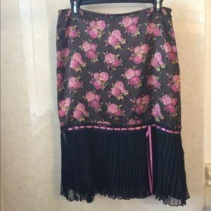 Betsy Johnson 6 floral satin chiffon pleated skirt